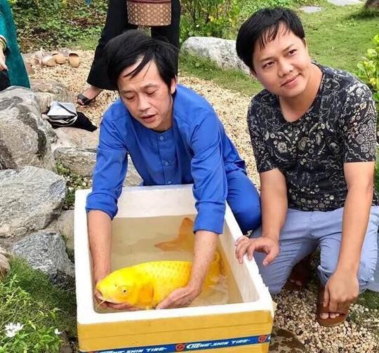 Cuộc sống của Hoài Linh sau khi vắng bóng trên sóng truyền hình - Ảnh 2.