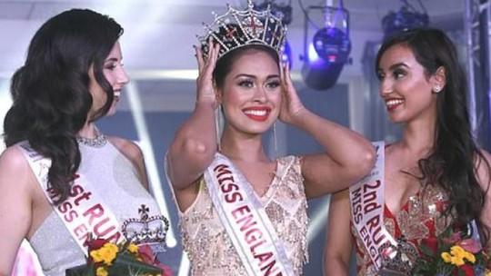 Tân Hoa hậu Anh thông thạo 5 ngoại ngữ, có 2 bằng đại học - Ảnh 2.