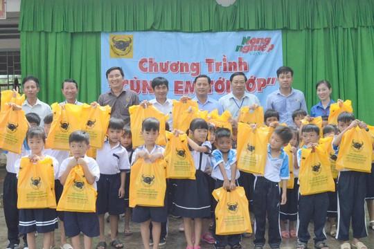 Công ty CP Phân bón Bình Điền tiếp sức học sinh nghèo vùng U Minh Thượng - Ảnh 2.