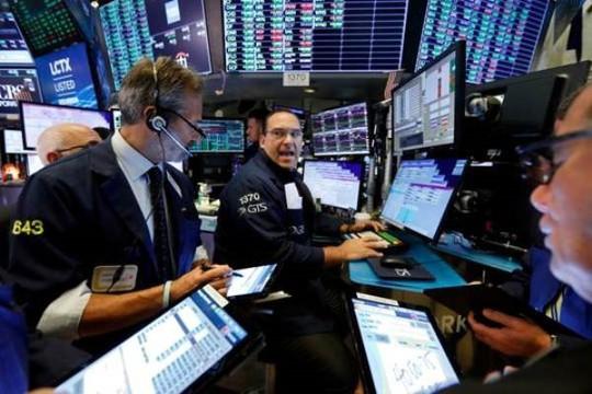 Lợi nhuận tốt của các tập đoàn bán lẻ giúp Phố Wall tăng điểm - Ảnh 1.