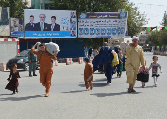 Taliban vừa hòa đàm với Mỹ vừa đánh lớn ở Afghanistan - Ảnh 3.