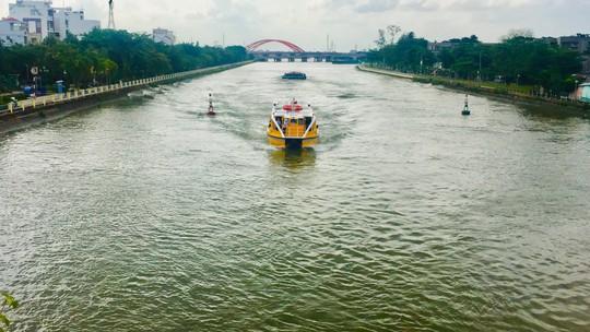 Buýt sông - hơi thở mới của đường thuỷ TP HCM - Ảnh 6.
