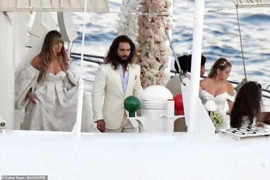 Siêu mẫu Heidi Klum bất ngờ cưới phi công trẻ - Ảnh 4.