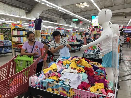 Big C đã bắt tay lại với 169 nhà cung ứng hàng dệt may Việt Nam - Ảnh 1.