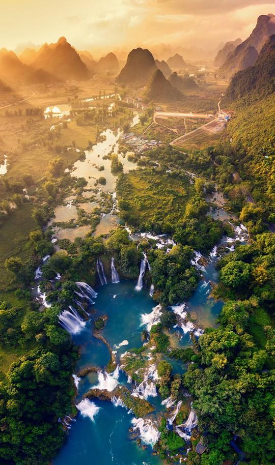 Việt Nam đẹp ngỡ ngàng với những bức ảnh nhìn từ trên không - Ảnh 1.