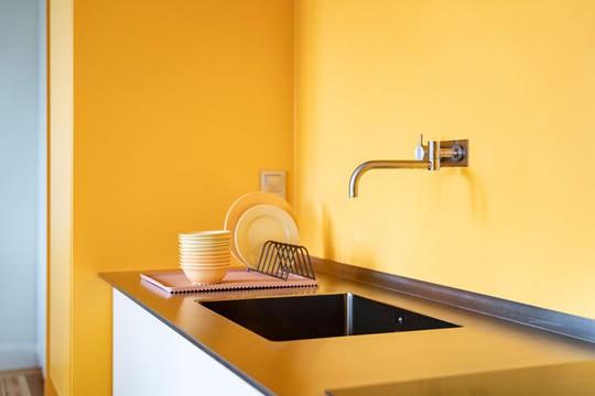 Bên trong căn hộ màu vàng xinh xắn - Ảnh 6.