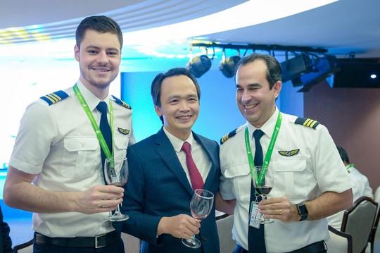 Những phi công quốc tế của Bamboo Airways lần đầu xuất hiện - Ảnh 3.