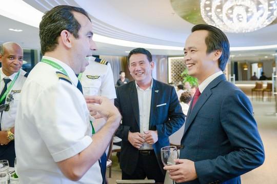 Những phi công quốc tế của Bamboo Airways lần đầu xuất hiện - Ảnh 4.
