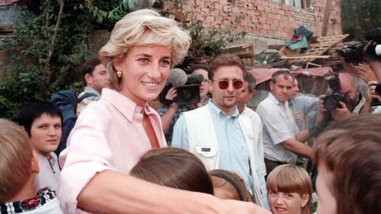 Lời nói cuối cùng của công nương Diana với người lính cứu hỏa - Ảnh 7.