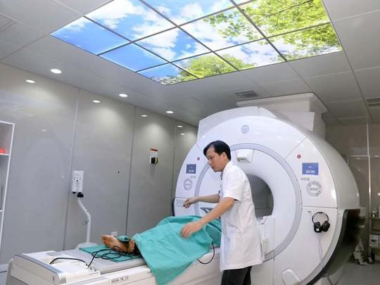 Giảm nỗi lo nhiễm tia xạ cho người bệnh - Ảnh 1.