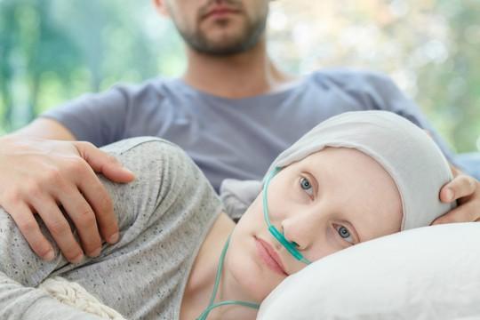 Nước giàu chết nhiều vì ung thư, nước nghèo chết nhiều vì bệnh tim - Ảnh 1.