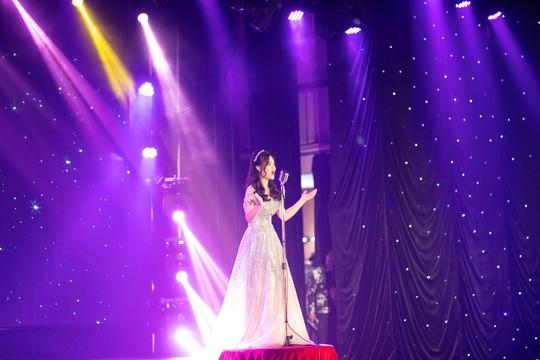 """Sunny Đan Ngọc mang âm nhạc """"chạm"""" đến cảm xúc nhân ái của khán giả - Ảnh 1."""