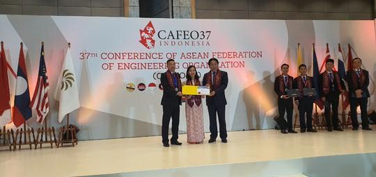 6 kỹ sư của EVNHCMC nhận Chứng chỉ Kỹ sư chuyên nghiệp ASEAN - Ảnh 2.