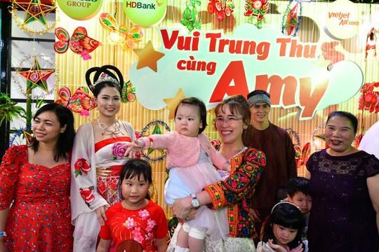 Những ngày vui Trung thu cùng HDBank của trẻ em khuyết tật - Ảnh 1.
