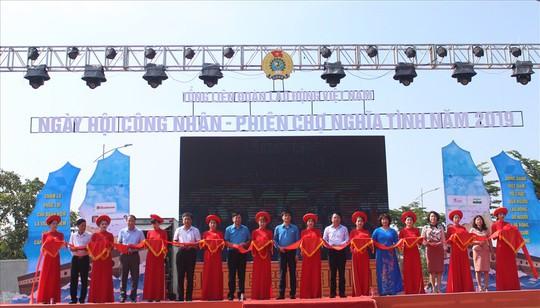 Khai mạc Ngày hội công nhân – Phiên chợ nghĩa tình năm 2019 tại Hải Phòng - Ảnh 1.