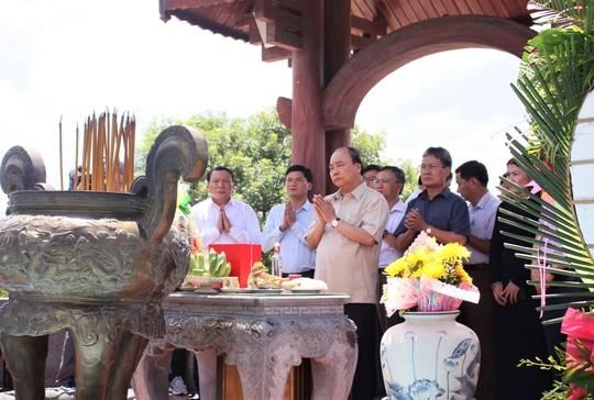 Tri ân các liệt sĩ bảo vệ Thành cổ Quảng Trị - Ảnh 1.
