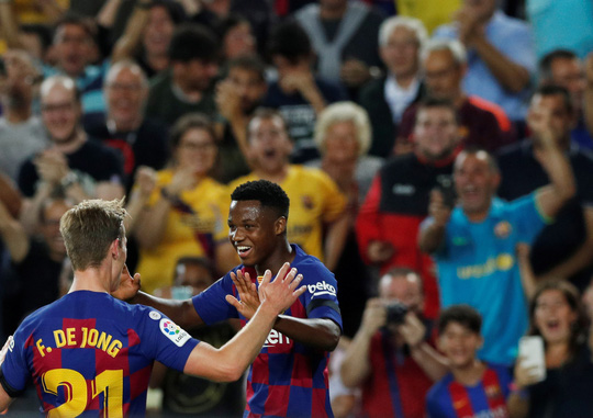 Atletico thua thảm, Barcelona lại thắng nhờ thần đồng 16 tuổi - Ảnh 9.
