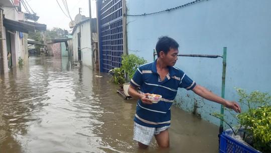 Phú Quốc lại sạt lở, ngập sâu sau cơn mưa lớn kéo dài - Ảnh 2.