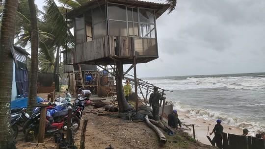 Phú Quốc lại sạt lở, ngập sâu sau cơn mưa lớn kéo dài - Ảnh 14.