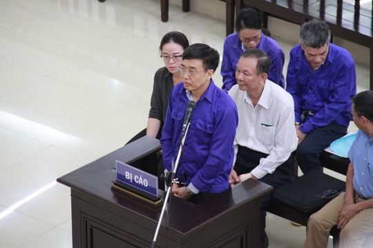 Cựu thứ trưởng Lê Bạch Hồng lĩnh án 6 năm tù, bồi thường 150 tỉ đồng - Ảnh 1.