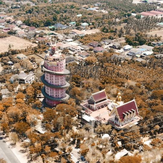 Bí ẩn đằng sau ngôi chùa hồng có rồng khổng lồ quấn quanh - Ảnh 7.