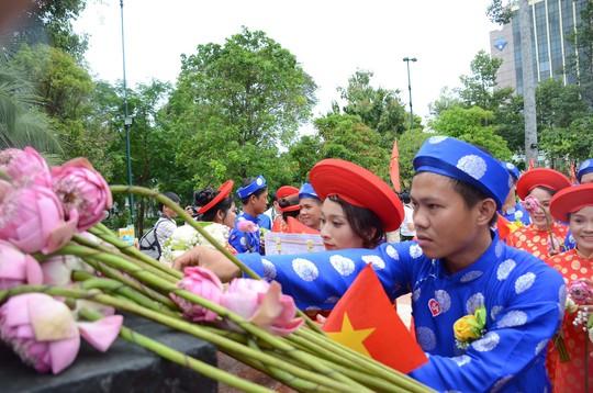 Ấm áp lễ cưới tập thể của 100 đôi công nhân trong Ngày Quốc Khánh - Ảnh 3.