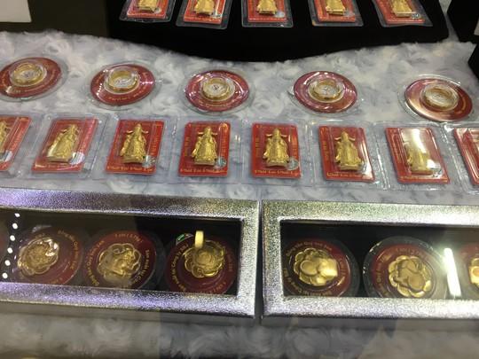 Giá vàng SJC lại vượt mốc 42 triệu đồng/lượng - Ảnh 1.
