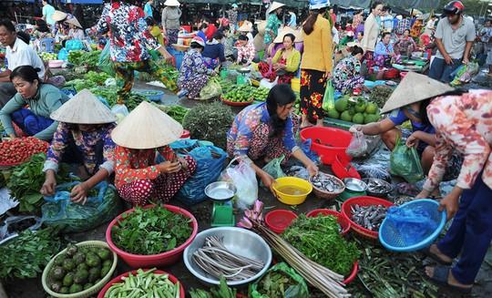Chợ chồm hổm chỉ bán thứ của nhà trồng được - Ảnh 4.