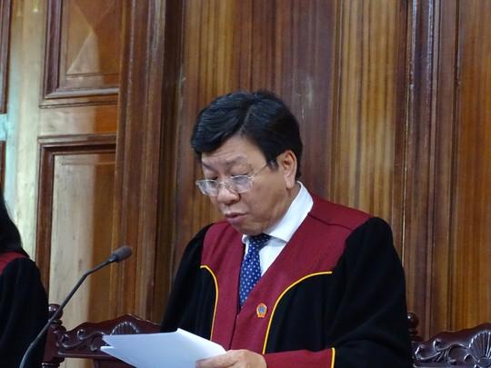 Chánh tòa hình sự bóc mẽ từng hành vi của cựu sếp VN Pharma - Ảnh 2.