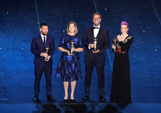 FIFA gây sốc, lần đầu trao The Best cho Lionel Messi - Ảnh 7.