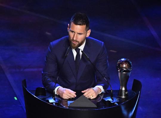 FIFA gây sốc, lần đầu trao The Best cho Lionel Messi - Ảnh 2.