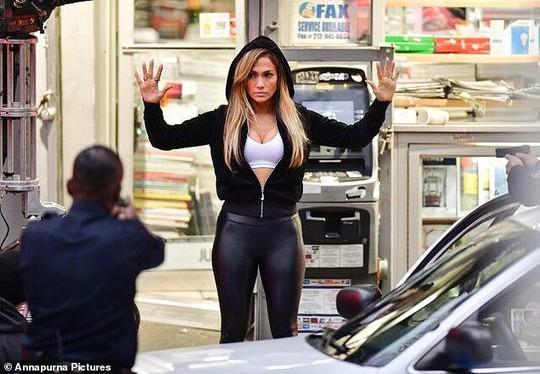 Phim Jennifer Lopez đóng vũ nữ thoát y bị dọa kiện - Ảnh 1.
