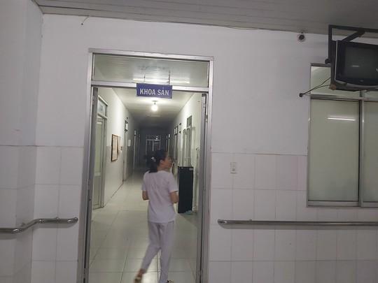 Tìm người thân bé gái bị bỏ rơi sau khi sinh tại bệnh viện ở Phú Quốc - Ảnh 1.