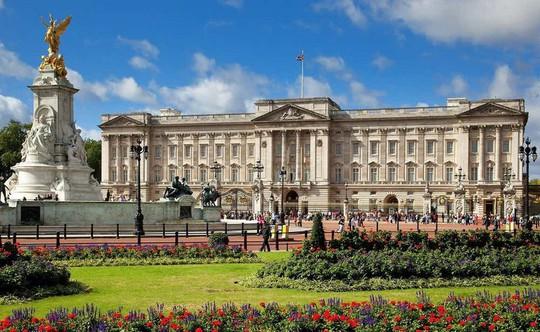 Kiến trúc xa hoa bên biệt thự Buckingham đắt nhất châu Âu - Ảnh 1.