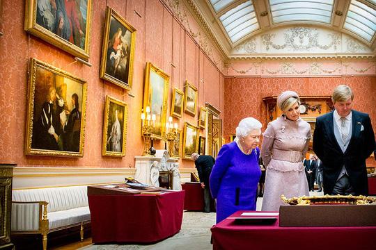 Kiến trúc xa hoa bên biệt thự Buckingham đắt nhất châu Âu - Ảnh 8.