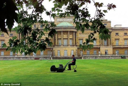 Kiến trúc xa hoa bên biệt thự Buckingham đắt nhất châu Âu - Ảnh 10.