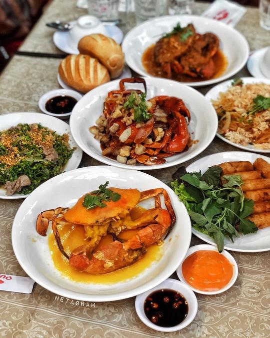5 quán hải sản tươi ngon ở TP HCM cho hội bạn thân tụ tập - Ảnh 11.