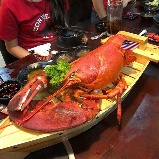 5 quán hải sản tươi ngon ở TP HCM cho hội bạn thân tụ tập - Ảnh 3.