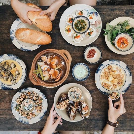 5 quán hải sản tươi ngon ở TP HCM cho hội bạn thân tụ tập - Ảnh 9.