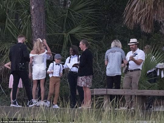 Justin Bieber và Hailey Baldwin đẹp đôi trước giờ cưới - Ảnh 11.