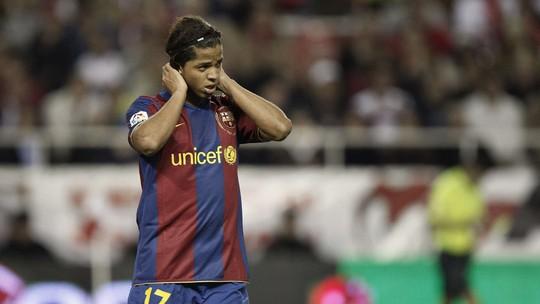 Dính chấn thương ghê rợn, cựu sao Barcelona phải nhập viện cấp cứu - Ảnh 1.