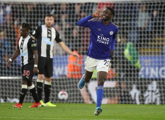 Hiện tượng tái xuất, Leicester đại thắng tại King Power - Ảnh 6.
