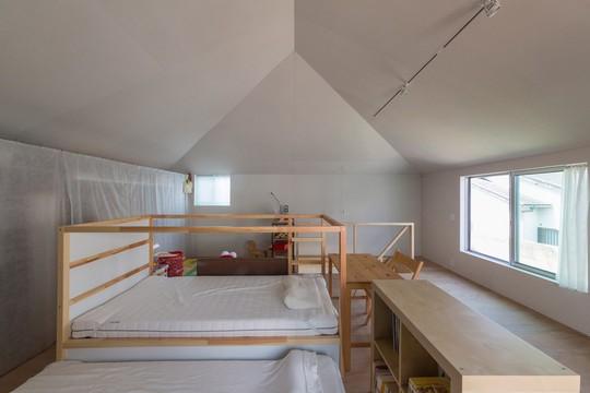 Độc đáo ngôi nhà thiết kế lạ, xóa ranh giới giữa nội thất và ngoại thất - Ảnh 7.