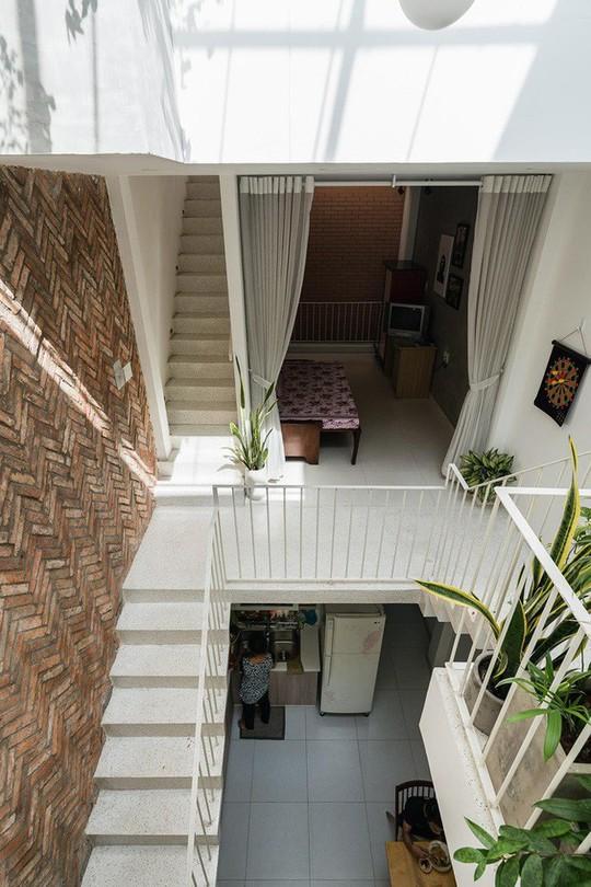 Ngôi nhà nằm sâu trong hẻm ở Sài Gòn đẹp ngỡ ngàng - Ảnh 6.