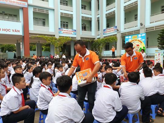 Bidrico quảng bá sữa chua Yobi tới trường học - Ảnh 2.