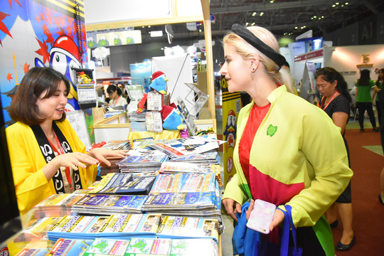 Chen nhau mua tour giá rẻ tại Hội chợ Du lịch quốc tế TP HCM - Ảnh 3.