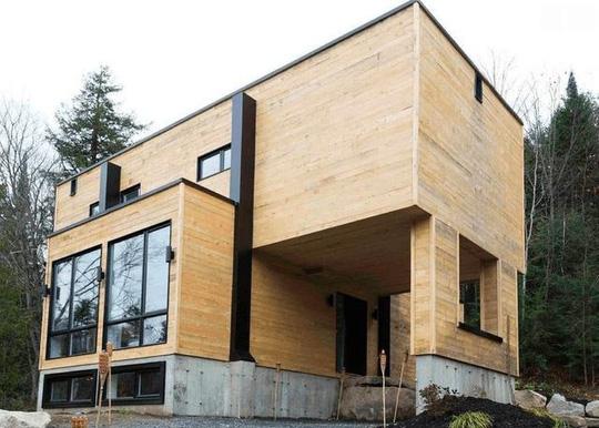 Mua bốn chiếc container để xây dựng một ngôi nhà độc đáo - Ảnh 2.