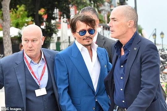 """""""Cướp biển"""" Johnny Depp bảnh bao tại LHP Venice - Ảnh 7."""