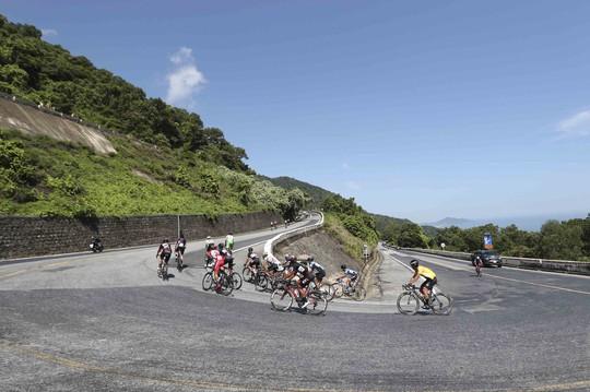 Áo vàng lại đổi chủ sau chặng 7 Giải Xe đạp quốc tế VTV Cup 2019 - Ảnh 2.