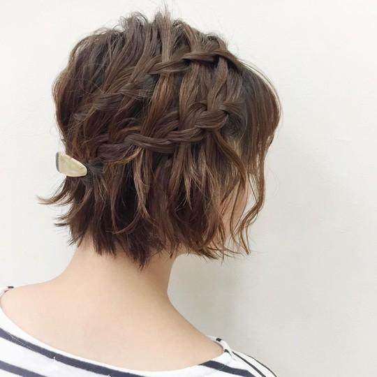Những kiểu tóc tết đẹp dành cho nàng tóc ngắn - Ảnh 4.